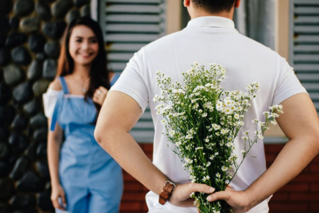 5 Most Romantic Flowers To Woo Your Relationship With Your Loved One
