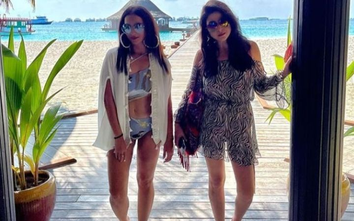 Seema Khan and Maheep Kapoor-Bollywood Wives, Are Living Marvelous Lives In The Maldives.